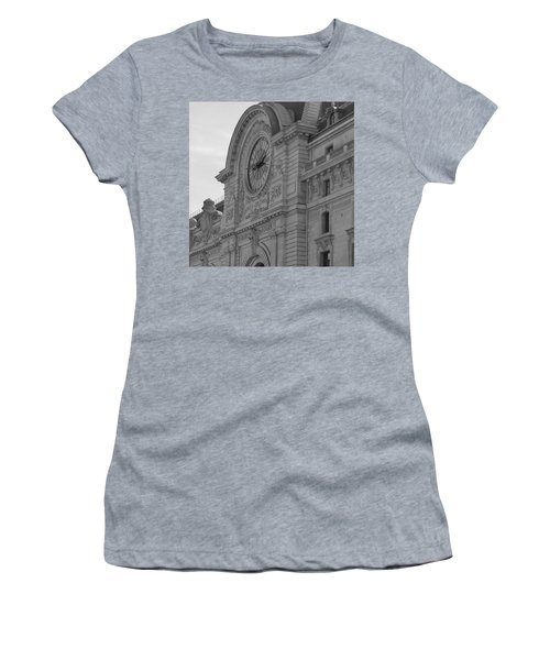 Musee D'orsay Women's T-Shirt (Athletic Fit)