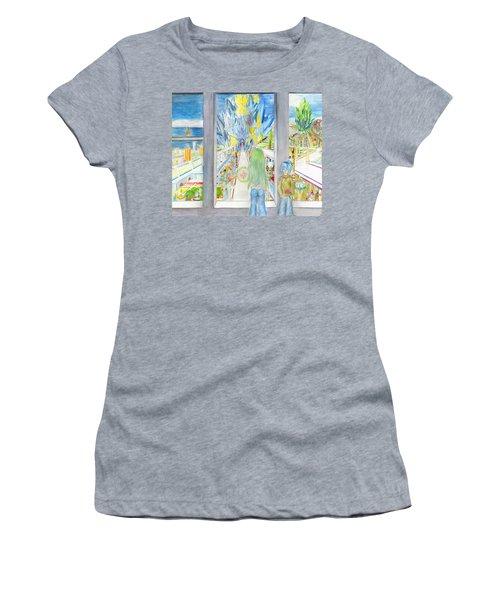 Nastros Women's T-Shirt