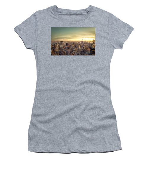 New York City - Skyline At Sunset Women's T-Shirt (Athletic Fit)