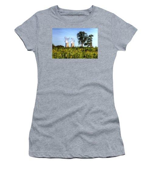 Nuclear Hdr4 Women's T-Shirt