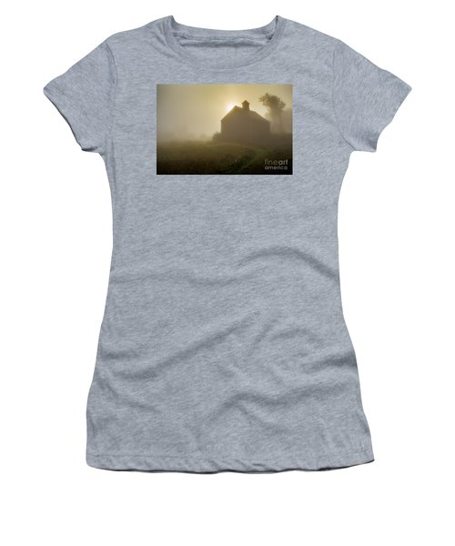 Old Barn Foggy Morning Women's T-Shirt