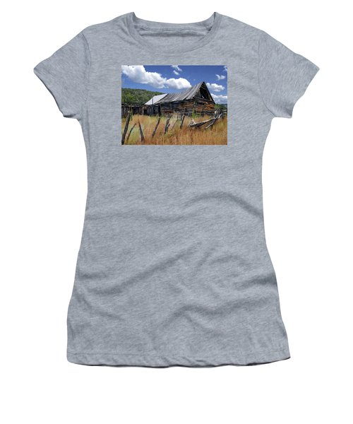 Old Barn Las Trampas New Mexico Women's T-Shirt