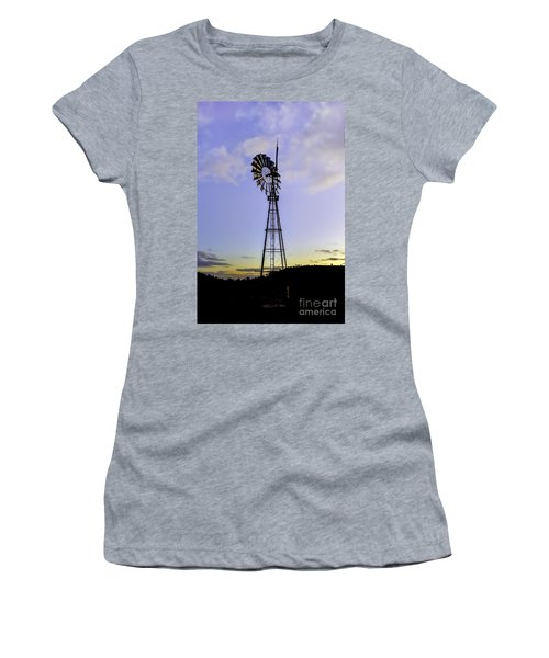 Outback Windmill Women's T-Shirt