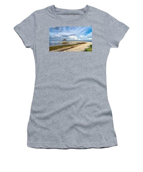 Pandanon Lookout Women's T-Shirt