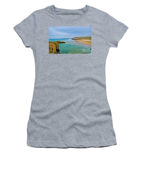 Perranporth Beach Women's T-Shirt (Athletic Fit)
