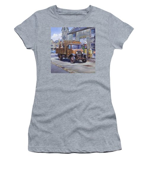 Piggy Goes To Market Women's T-Shirt (Athletic Fit)