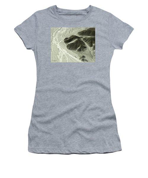 Plains Of Nazca - The Astronaut Women's T-Shirt