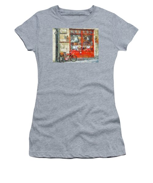 Postcard Perfect Women's T-Shirt (Athletic Fit)