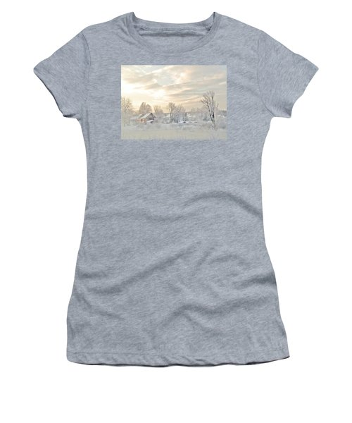 River Mist On A Very Cold New Hampshire Morning Women's T-Shirt (Athletic Fit)