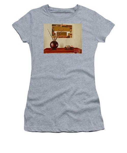 Round Vase Women's T-Shirt
