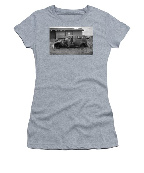 Route 66 Travels Women's T-Shirt (Athletic Fit)