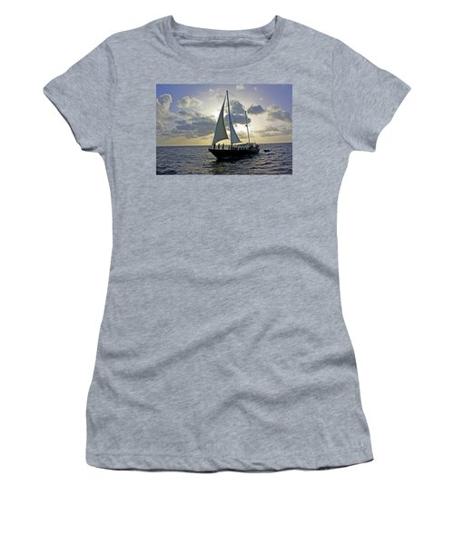 Sailing In Aruba Women's T-Shirt (Athletic Fit)