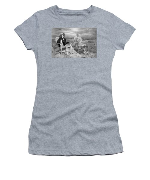 Sam Exchange Old Tales With A Friend Women's T-Shirt
