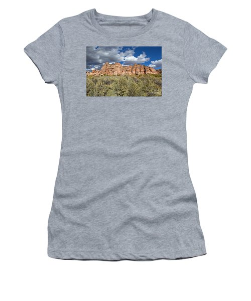 Sandstone And Clouds In Zion Natl Park Utah Women's T-Shirt