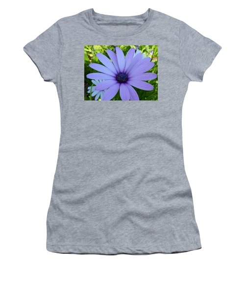 Single Women's T-Shirt (Athletic Fit)