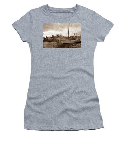 Skipjack In Port Women's T-Shirt