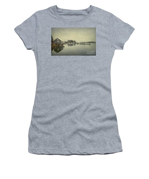 Sleepy Shores Women's T-Shirt