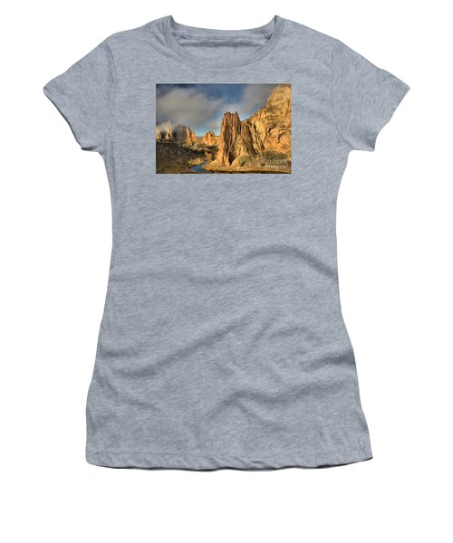Smith Rock Foggy Morning Women's T-Shirt