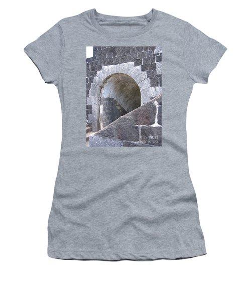 St. Kitts  - Brimstone Hill Fortress Women's T-Shirt