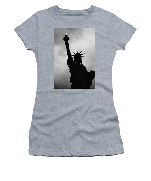 Statue Of Liberty Silhouette Women's T-Shirt