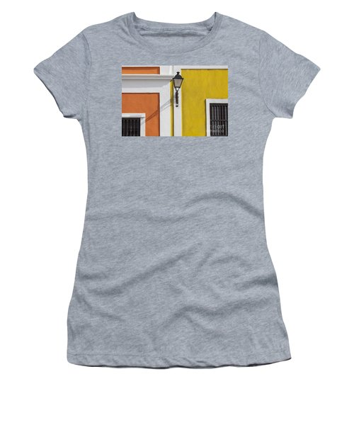 Street Light In Old San Juan Streetlight Puerto Rico Women's T-Shirt