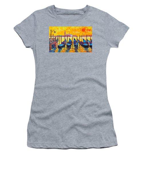 Sunrise In Venice Italy Gondolas And San Giorgio Maggiore Women's T-Shirt