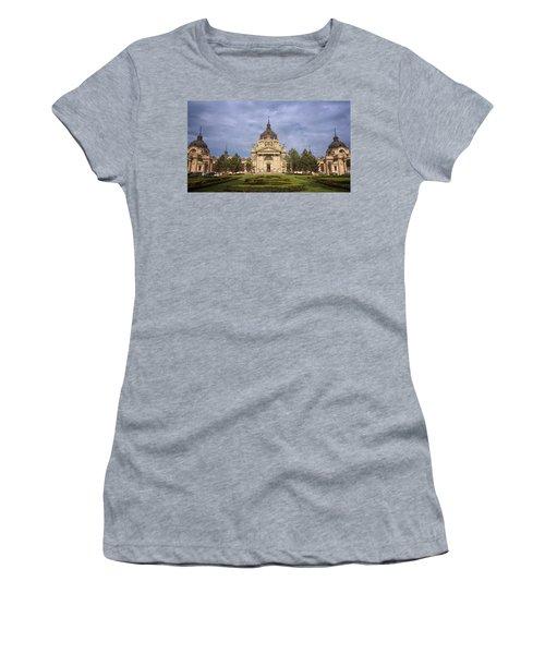 Szechenyi Baths Budapest Hungary Women's T-Shirt