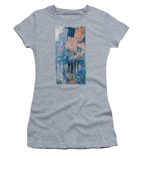 The Avenue In The Rain Women's T-Shirt