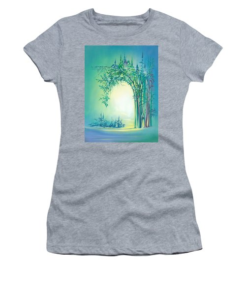The Boundary Bush Women's T-Shirt (Athletic Fit)