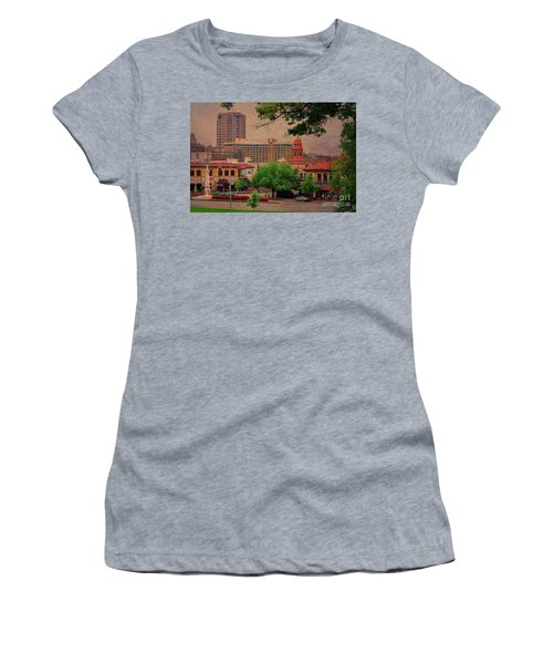 The Plaza - Kansas City Missouri Women's T-Shirt (Athletic Fit)