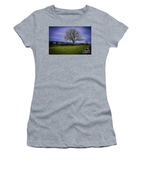Tree - Hadrian's Wall Women's T-Shirt (Athletic Fit)