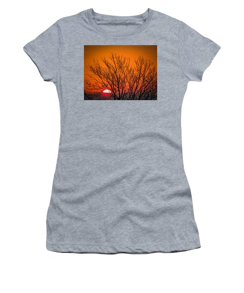 Tree Silhouetted By Irish Sunrise Women's T-Shirt
