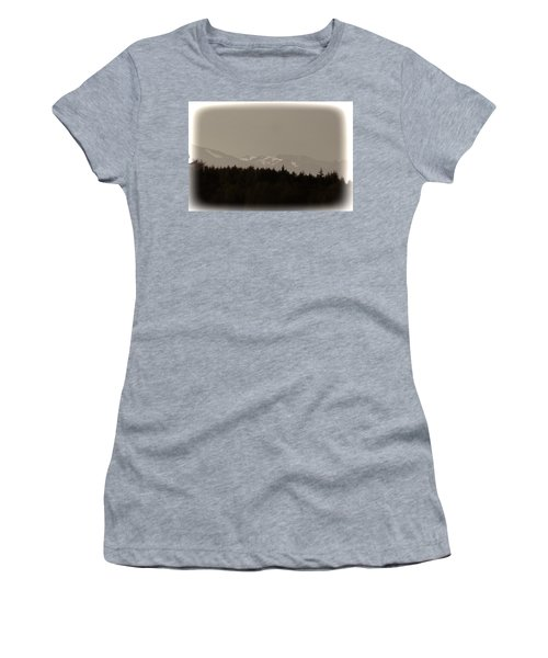 Treeline With Ice Capped Mountains In The Scottish Highlands Women's T-Shirt (Junior Cut)