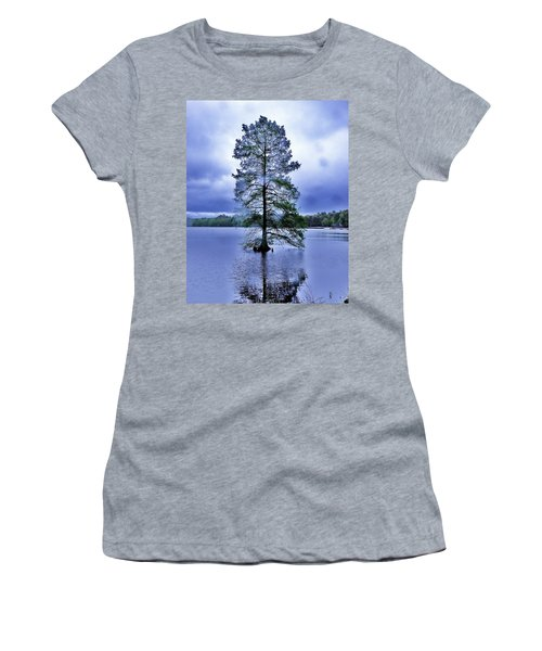 The Healing Tree - Trap Pond State Park Delaware Women's T-Shirt