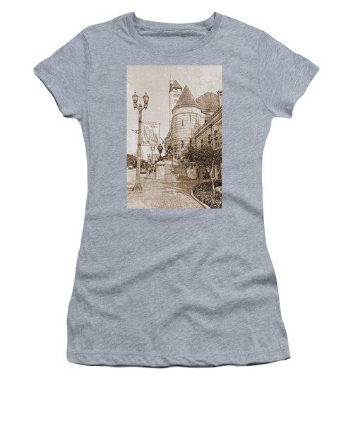Union Station St Louis Mo Women's T-Shirt (Athletic Fit)