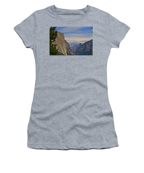 View From Wawona Tunnel Women's T-Shirt (Athletic Fit)