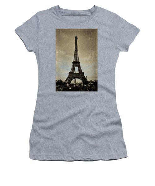 Vintage Eiffel Bronze Women's T-Shirt