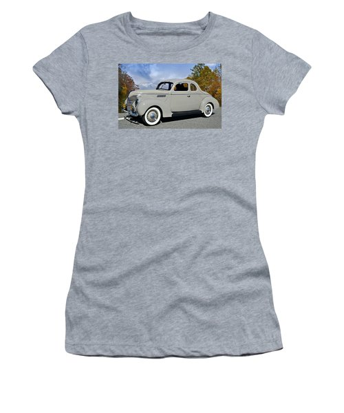 Vintage Ford Women's T-Shirt (Athletic Fit)