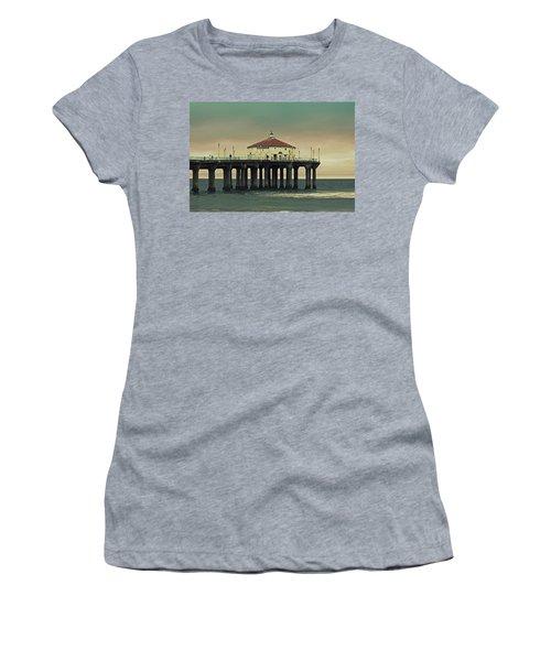 Vintage Manhattan Beach Pier Women's T-Shirt (Athletic Fit)