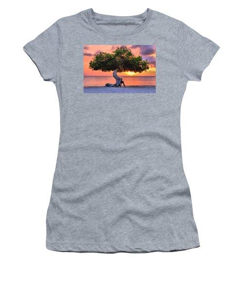 Watapana Tree - Aruba Women's T-Shirt