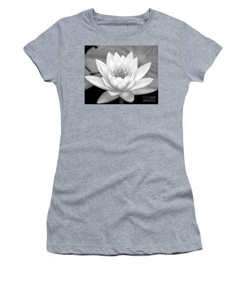 Water Lily In Black And White Women's T-Shirt
