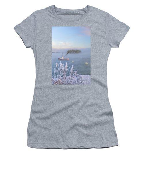 Where Morning Glories Grow Women's T-Shirt