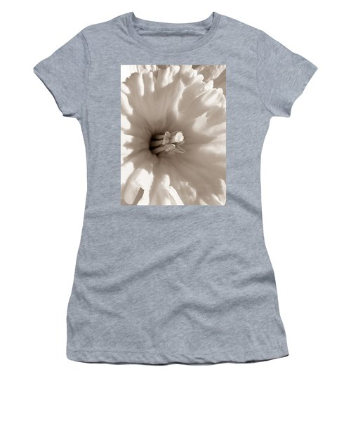 Wild Daffodil Women's T-Shirt