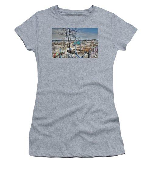 Wintery Grave Women's T-Shirt