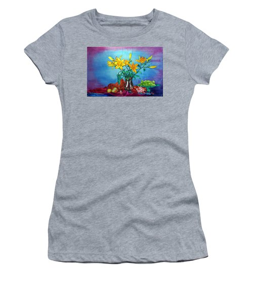 Yellow Lily In A Vase Women's T-Shirt