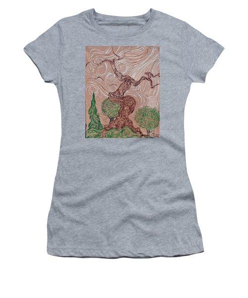 The Earthen Tree Women's T-Shirt