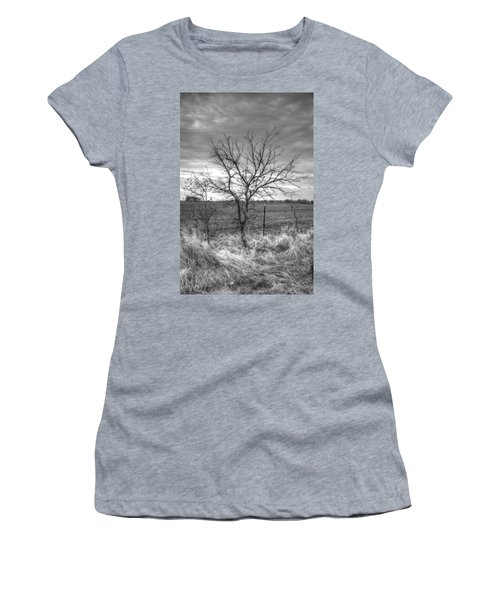 B/w Tree In The Country Women's T-Shirt