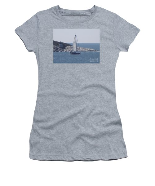 Coastal Newport Ri  Women's T-Shirt (Athletic Fit)