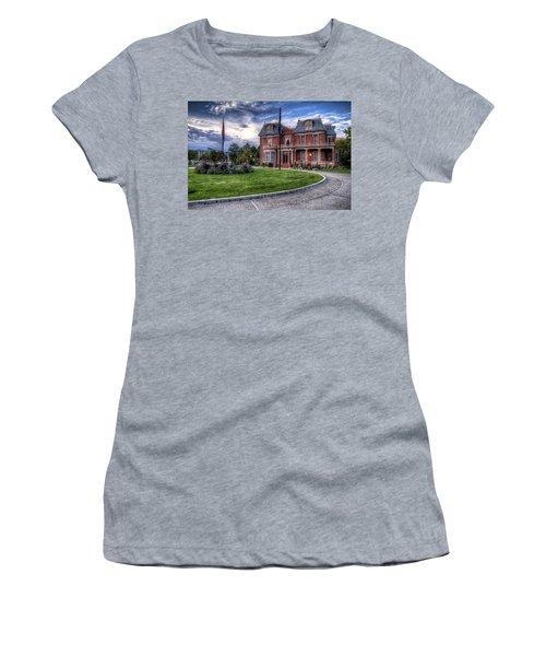 Devereaux Mansion Women's T-Shirt