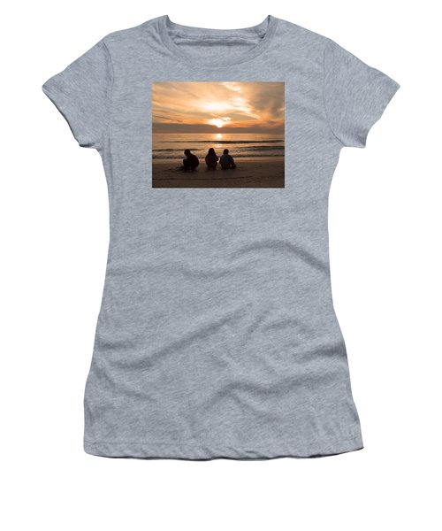 Final Touch Women's T-Shirt